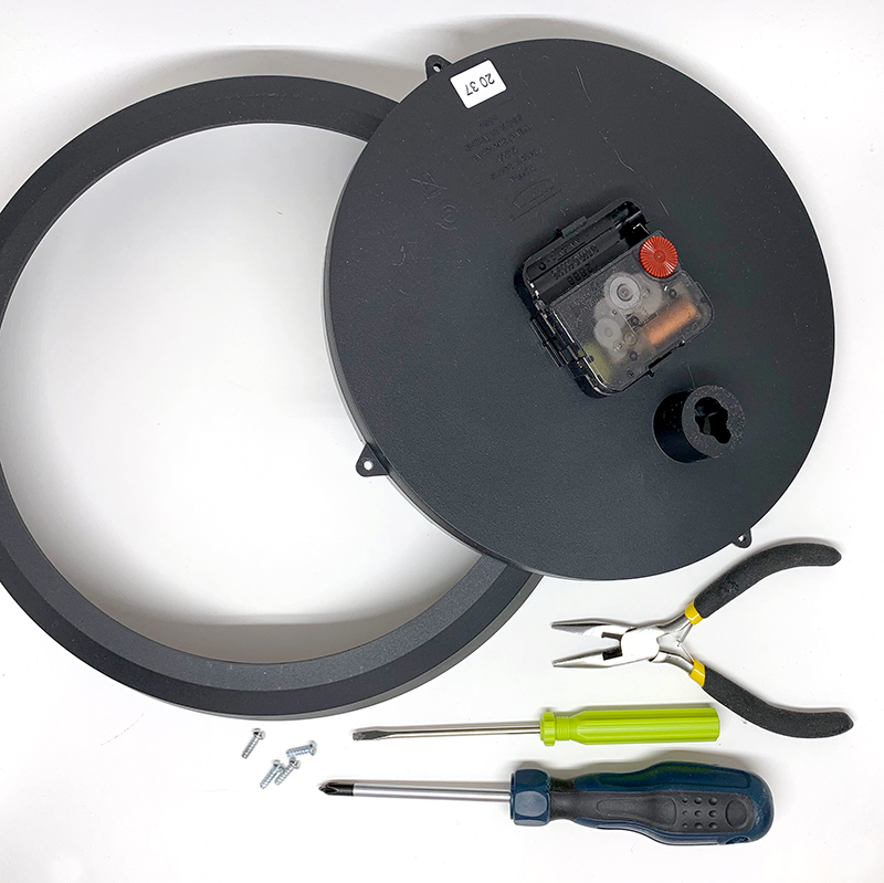 Take apart your clock with the right tools